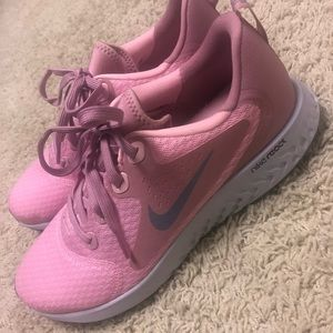 NWOT pink Nike athletic shoes